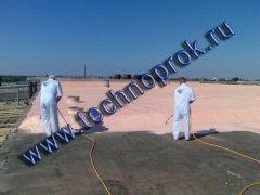 Для гідроізоляції покрівлі Master Roof розпорошується безповітряним способом